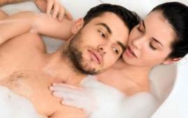 5-razones-para-banarte-con-tu-pareja