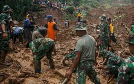 mueren-al-menos-35-personas-en-indonesia-por-deslaves
