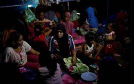 sismo-sacude-a-indonesia-suman-102-muertos