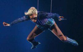 VIDEO--Lady-Gaga-nunca-saltó-del-techo-en-el-Super-Bowl-LI