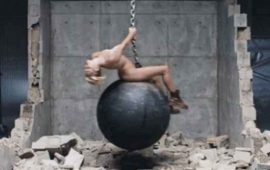 "Miley Cyrus, arrepentida por aparecer desnuda en video de ""Wrecking Ball"""