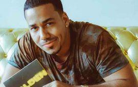 VIDEO--Romeo-Santos-graba-con-Julio-Iglesias-canción-dedicada-al-pene