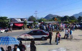 afectados-por-sismos-cierran-carretera-de-oaxaca-por-mas-de-10-horas