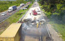 terrible-accidente-carretero-en-veracruz-deja-6-muertos