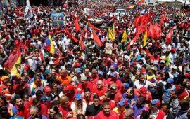 marchan-miles-en-venezuela-en-apoyo-a-nicolas-maduro